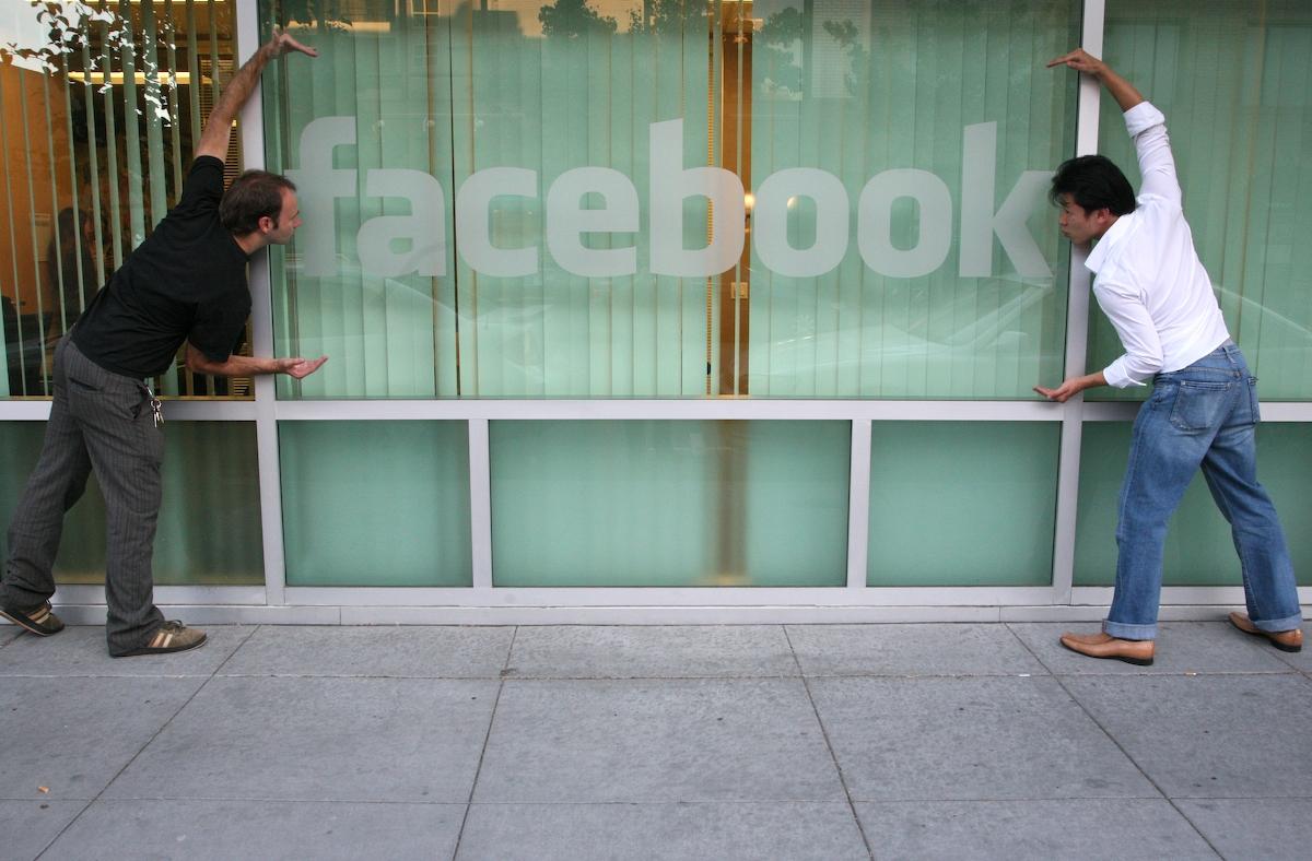 Facebook разрешил россиянам выводить деньги с Credits