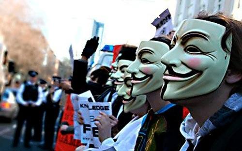 Хакеры из Anonymous отчитались о взломе Facebook, Skype, Apple и Microsoft