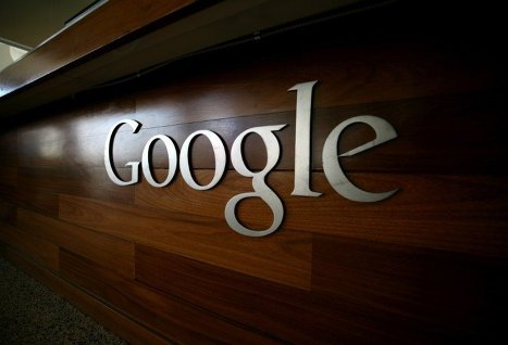 Facebook и Google скрыли часть контента в Индии под угрозой блокировки