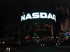 Биржа Nasdaq планирует компенсировать участникам IPO Facebook $40 млн.
