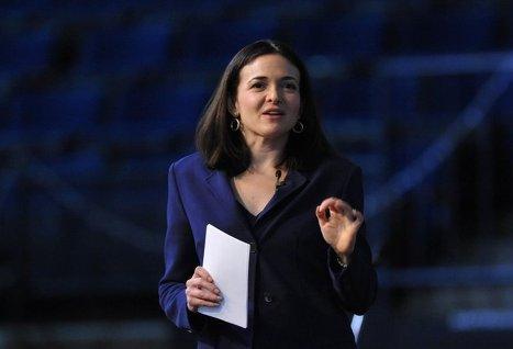 Соцсеть Facebook впервые включила женщину в свой совет директоров