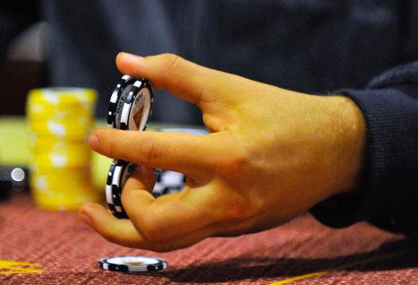 Пользователи в Британии смогут играть в азартные игры на Facebook