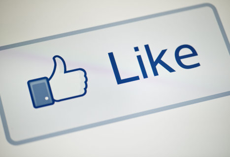 Британские информатики разработали алгоритм, позволяющий практически безошибочно определять сексуальную ориентацию пользователей Facebook по «лайкам»