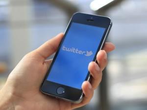 Пользователи Twitter – самые заядлые потребители новостей по сравнению с приверженцами других социальных платформ