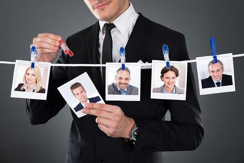 Социальная сеть LinkedIn представила два нововведения в области поиска персонала: функцию Referrals