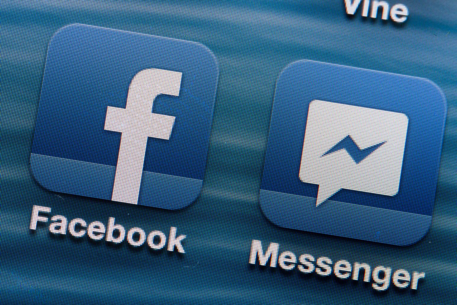 Во второй половине 2016 года Facebook запустит рекламу в Messenger