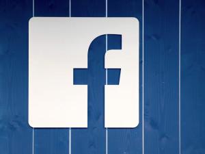 В приложении Facebook для iOS появилась новая функция «Автоматический альтернативный текст»