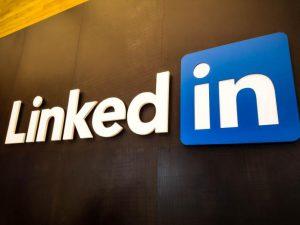 Посещаемость LinkedIn в России упала на 36%