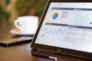 Nielsen и Facebook помогут измерить эффективность кросс-медиа кампаний