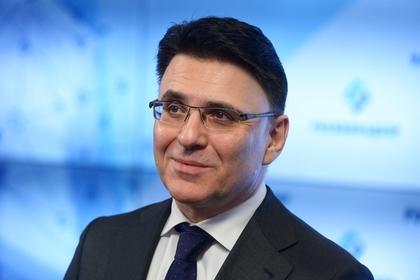 Роскомнадзор попросил Facebook разобраться с аккаунтами посольств России