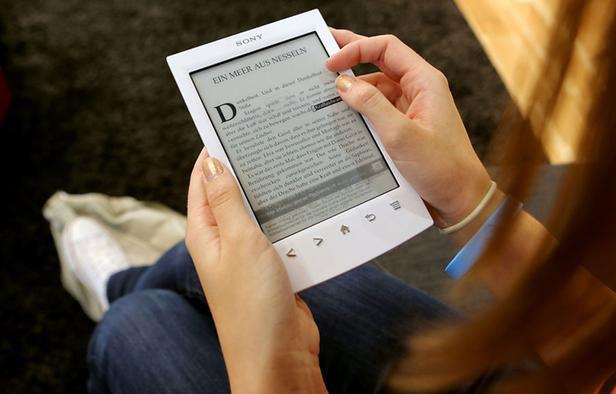 Яндекс: в России электронные книги популярнее бумажных