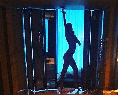 Маша Малиновская выкладывает в Интернет интимные фото из Смоленска