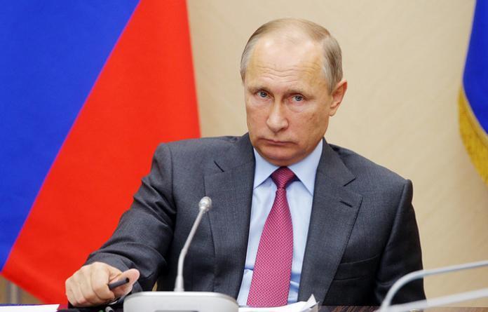 Путин призвал к усилению безопасности рунета