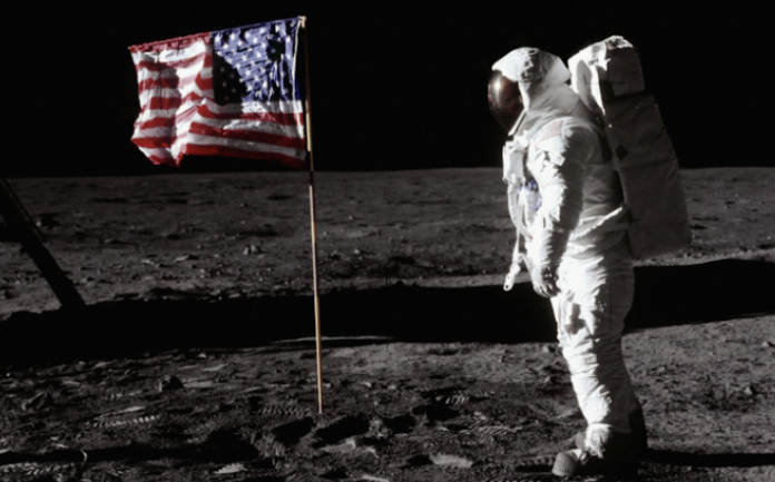 Google Earth запустил новые функции в честь 50-летия высадки человека на Луну
