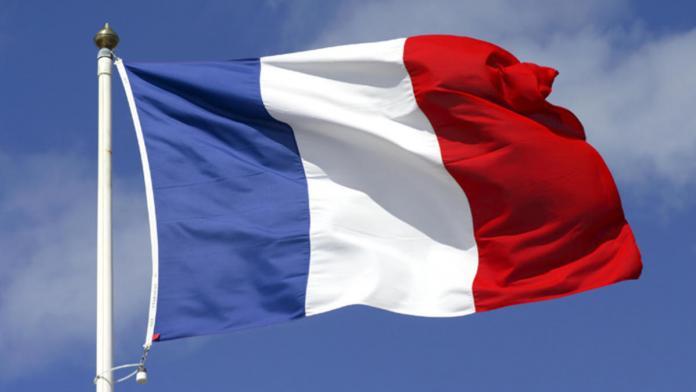 Во Франции также хотят принять «закон о Facebook»