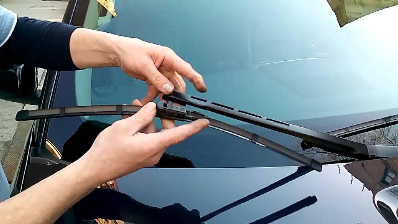 Замена лобового стекла – когда следует это сделать?