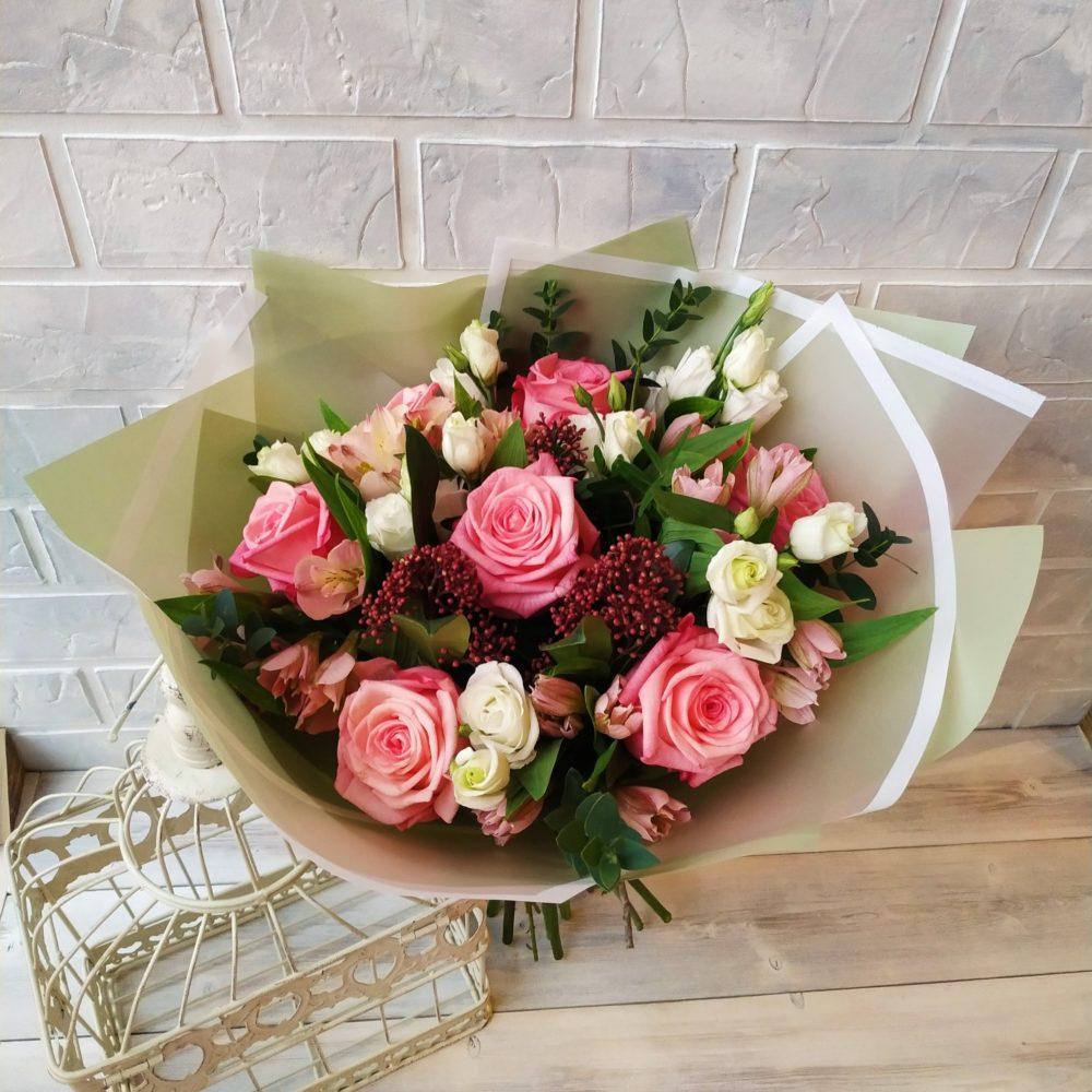 Современная доставка цветов – чудесные композиции с подарками