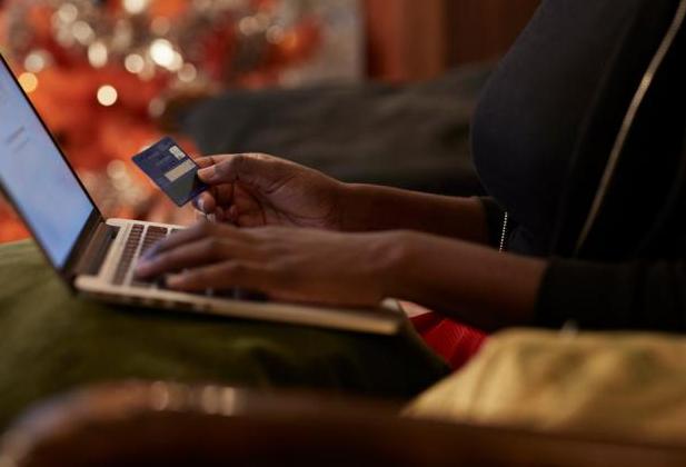 Adobe: в апреле рынок e-commerce в США вырос на 49%