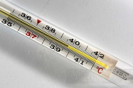 Как правильно сбивать температуру?