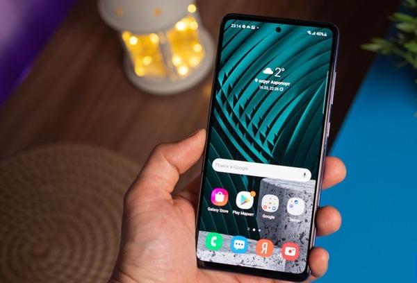 Samsung снабдила смартфоны пользователей неудаляемыми сервисами Яндекса