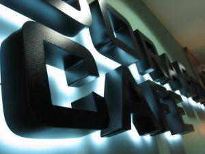 Объёмные световые буквы от компании «Цедра» в Брянске