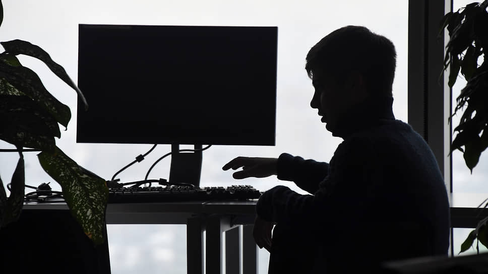 Работодатели все чаще следят за поведением сотрудников в соцсетях